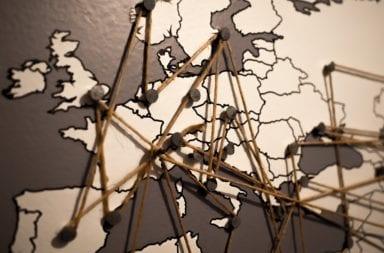 Pins Europa