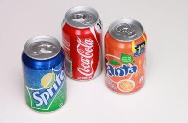 Dosen mit Cola, Fanta und Sprite