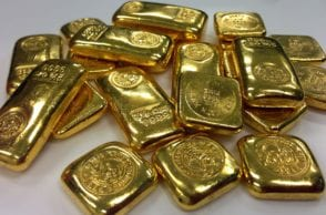 Buying or selling gold